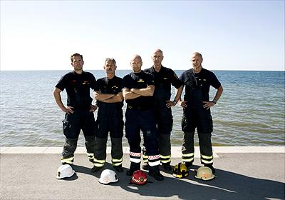 "SOS Gute Frv. Andreas Pettersson, Rolf Bonté, Jonatan Ahdrian, Lars ""Bäckis"" Bäckman och Peter Kolberg. Foto:Louise Wiker/Kanal 5."